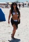 Kim-Kardashian-bikini-3-005